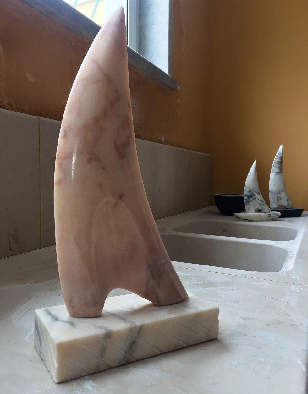 Marmo Rosa Del Portogallo barca a vela in marmo rosa | canalini marmi